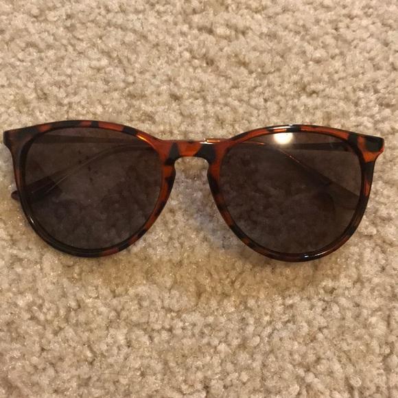 cfeb0a8176 NWOT Never worn Eyelove Sunglasses. M 5ab46c38c9fcdf28dc19c03e.  M 5ab46bfaa44dbeaa1d4ab71d. M 5ab46c102ae12ff8b35d5986.  M 5ab46c2e8af1c5e99b1b1184